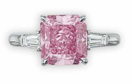 3.74 carat Fancy Vivid Purplish Pink diamond