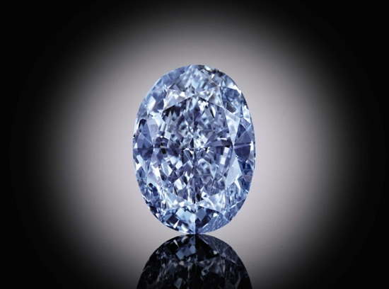 10.10 carat fancy vivid blue oval shaped diamond1