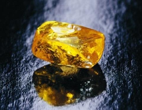 190.72 carat Graff Vivid Yellow rough diamond