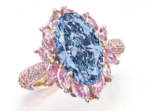 Moussaieff 3.39 carat Fancy Vivid Blue diamond ring