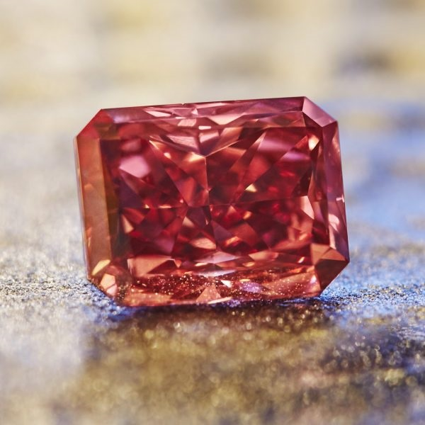 "Rarest Ever Argyle ""Everglow"" Red Diamond Being Showcased At The 2017 Argyle Tender"
